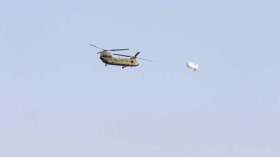 Транспортный вертолет ВВС США в небе над Кабулом