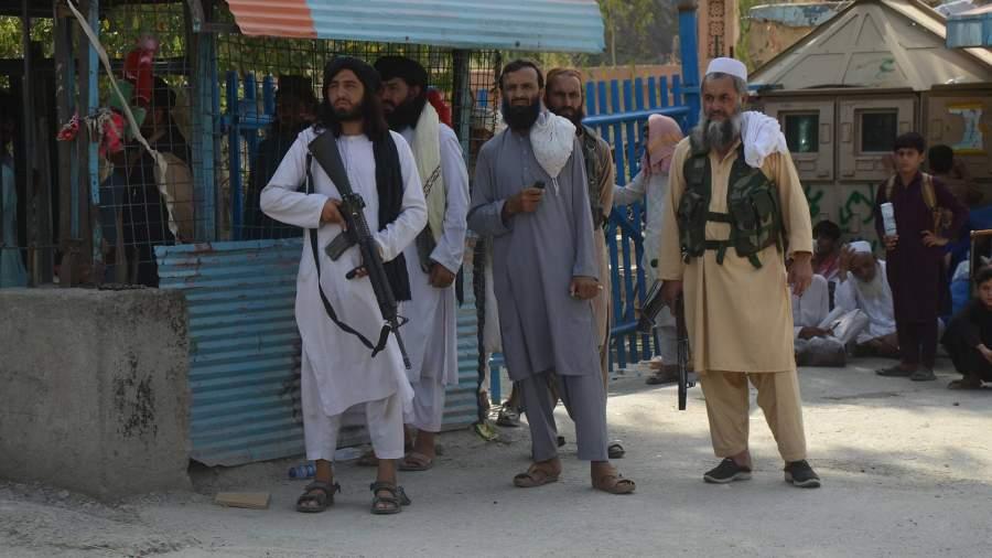 Назад в 90-ые: почему Таджикистан не признает новую власть в Кабуле