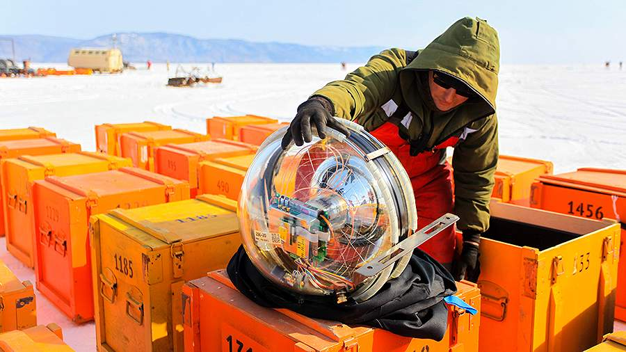 Подготовка к запуску глубоководного нейтринного телескопа Baikal-GVD на озере Байкал
