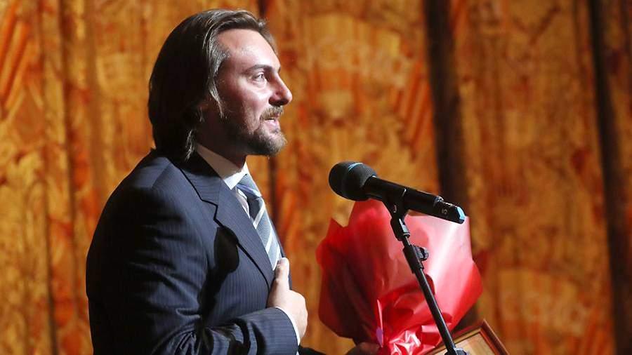 Оперный певец Игорь Головатенко