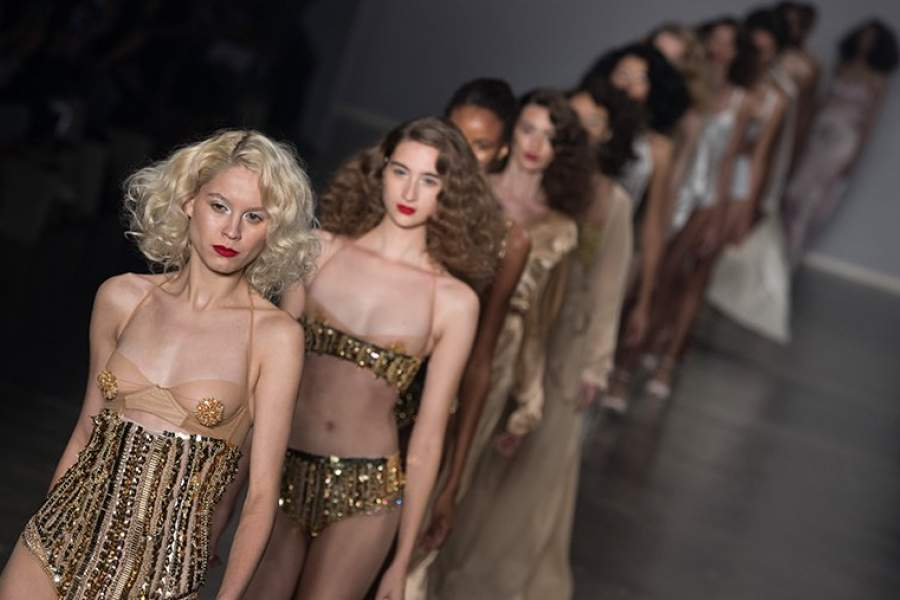 разделы частное топ модели переодеваются онлайн сексуальное удовлетворение двух