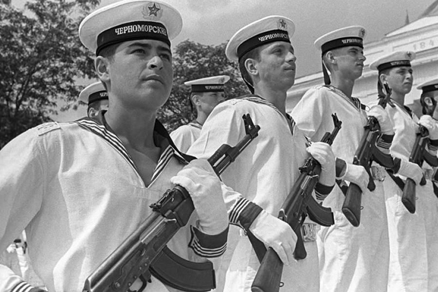 магазинах фото советского моряка поэтому желательно регулярно