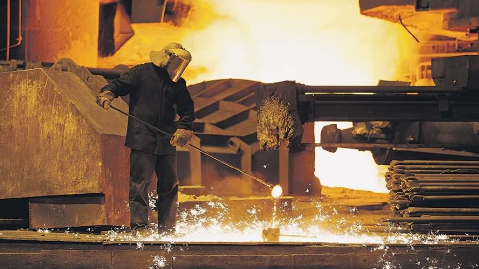 Промышленность выходит в лидеры роста